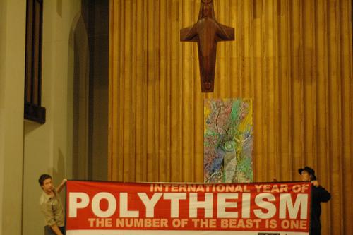 polytheistische religionen beispiele